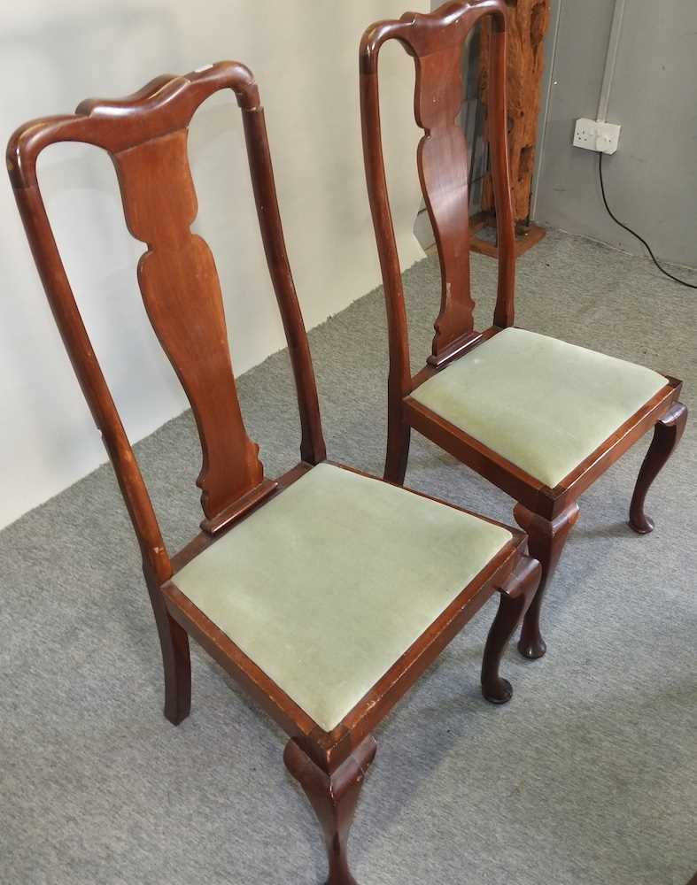 A set of four early 20th century Queen Anne style dining chairs - Image 7 of 9