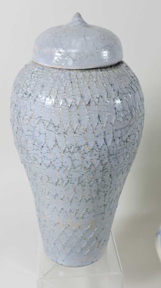 A collection of studio pottery - Image 3 of 5