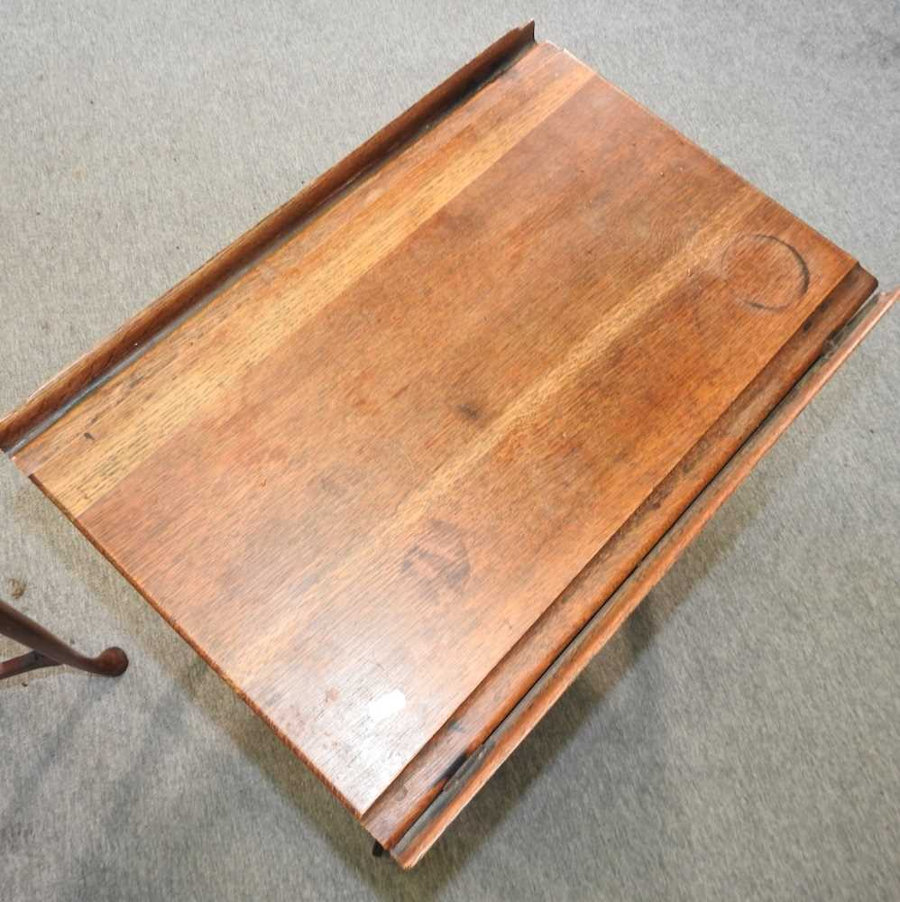 An Edwardian mahogany two tier occasional table - Image 8 of 8