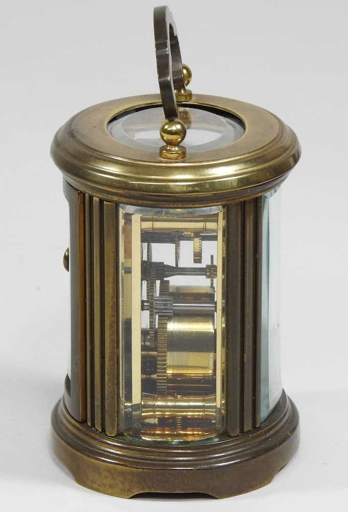 A small brass cased carriage clock - Image 5 of 8