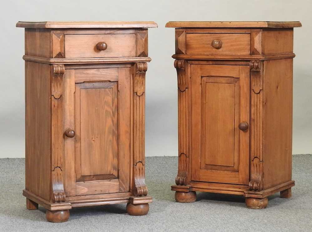 A pair of pine bedside cabinets - Image 3 of 5