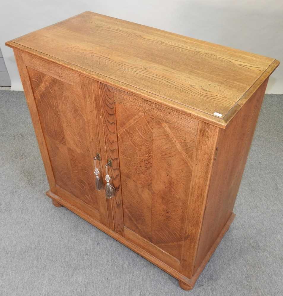 A 1920's light oak cabinet - Image 3 of 6