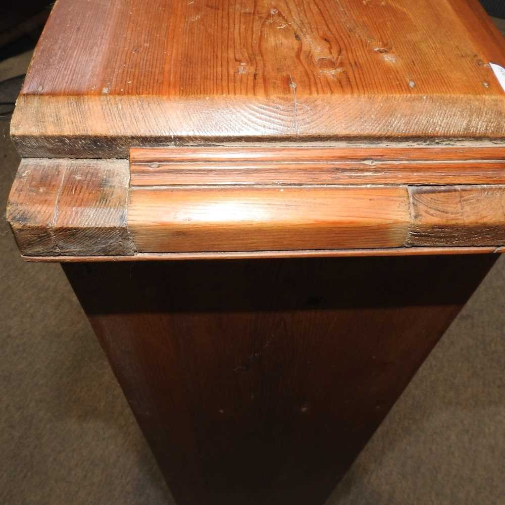 An antique wash stand - Image 2 of 11