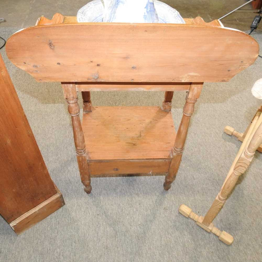 An antique wash stand - Image 7 of 11