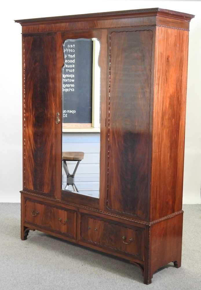 An Edwardian mahogany wardrobe - Image 2 of 9