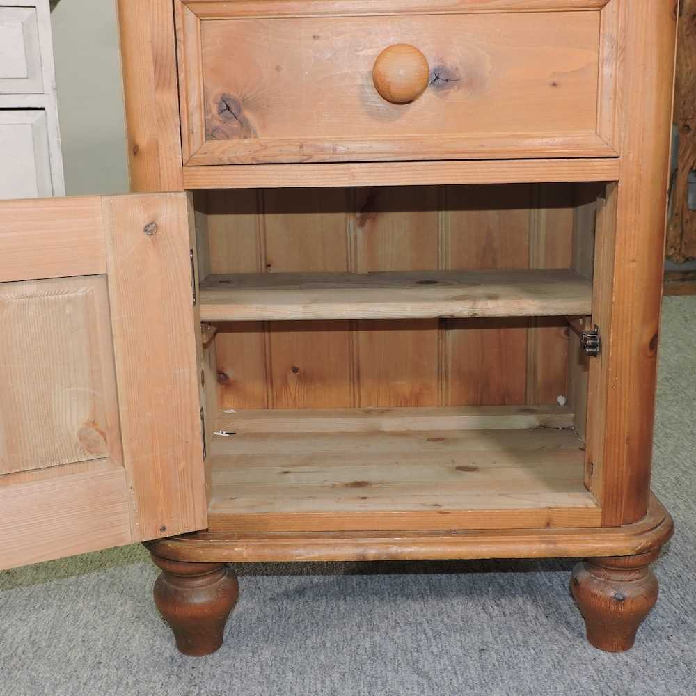 A white painted pine desk - Image 7 of 9