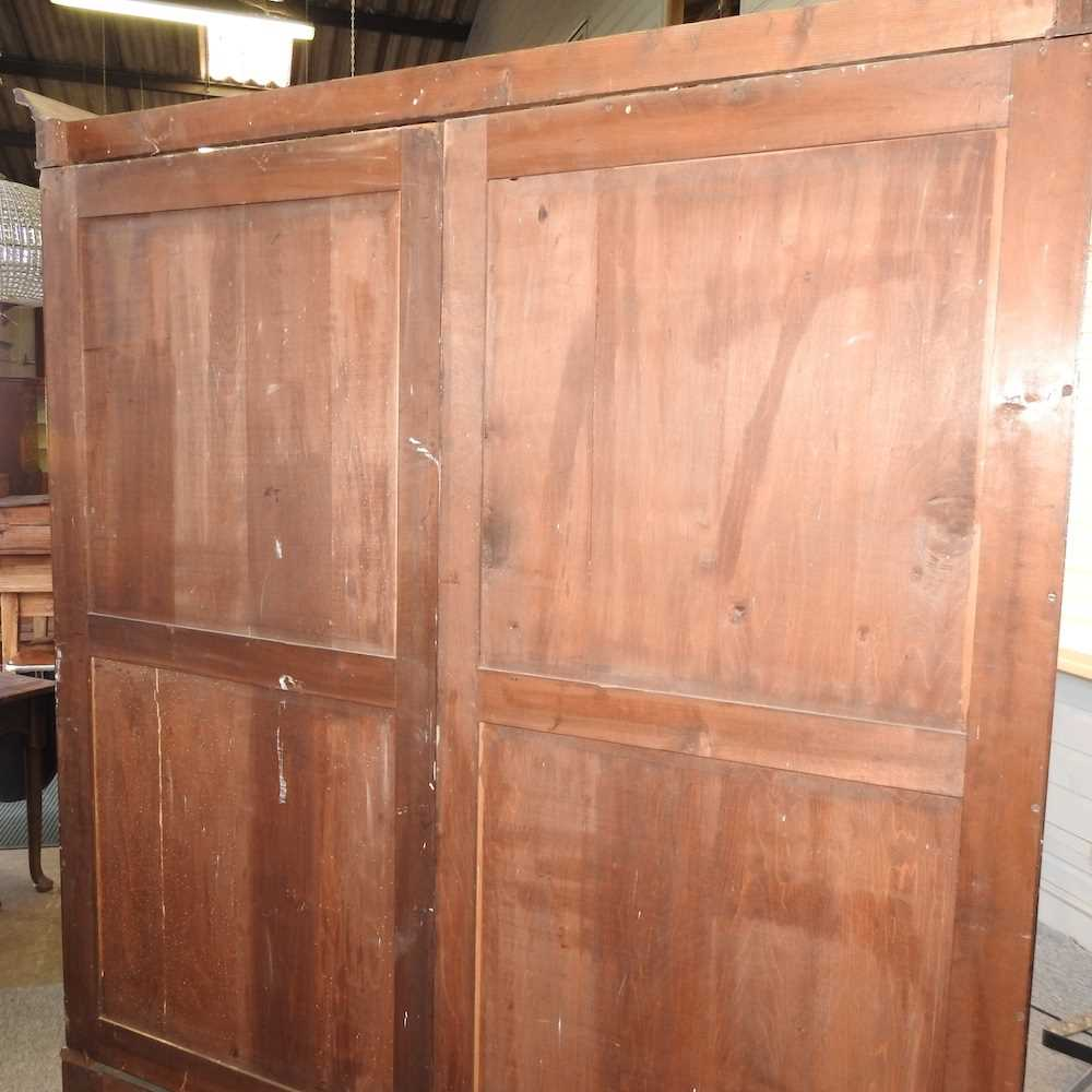 An Edwardian mahogany wardrobe - Image 4 of 9
