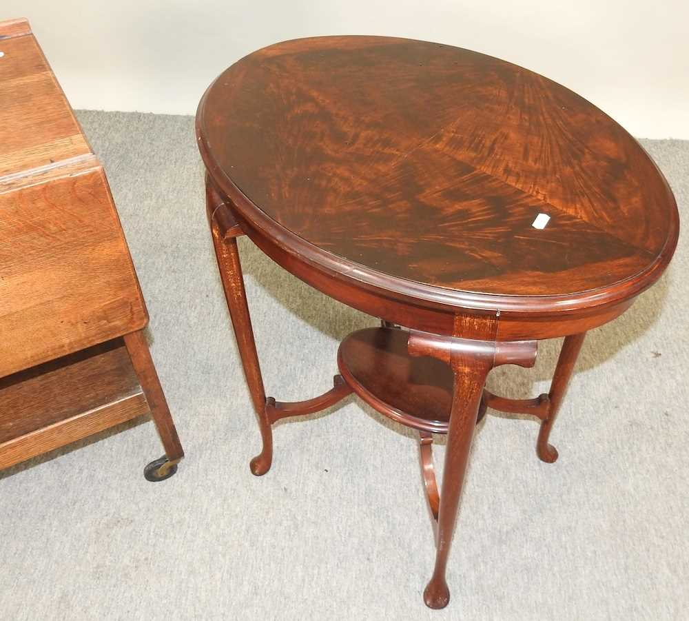 An Edwardian mahogany two tier occasional table - Image 4 of 8
