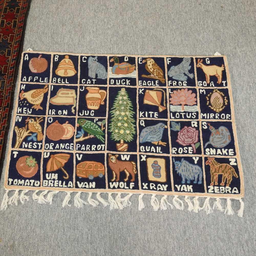 A woollen prayer rug - Image 3 of 9
