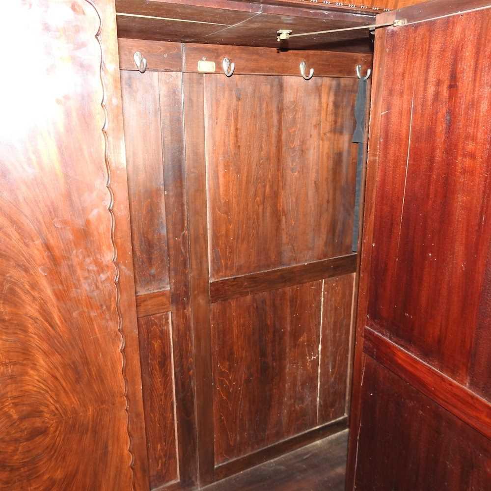 An Edwardian mahogany wardrobe - Image 8 of 9