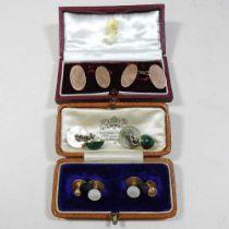 A pair of 9 carat gold cufflinks