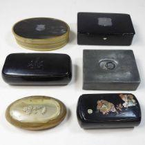A 19th century papier mache snuff box