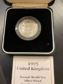 COINS : 1995 UK £2 Peace Silver Proof coin in display box