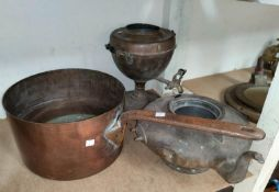 A large 19th century copper pan, kettle (a.f) and tea urn (no lid)