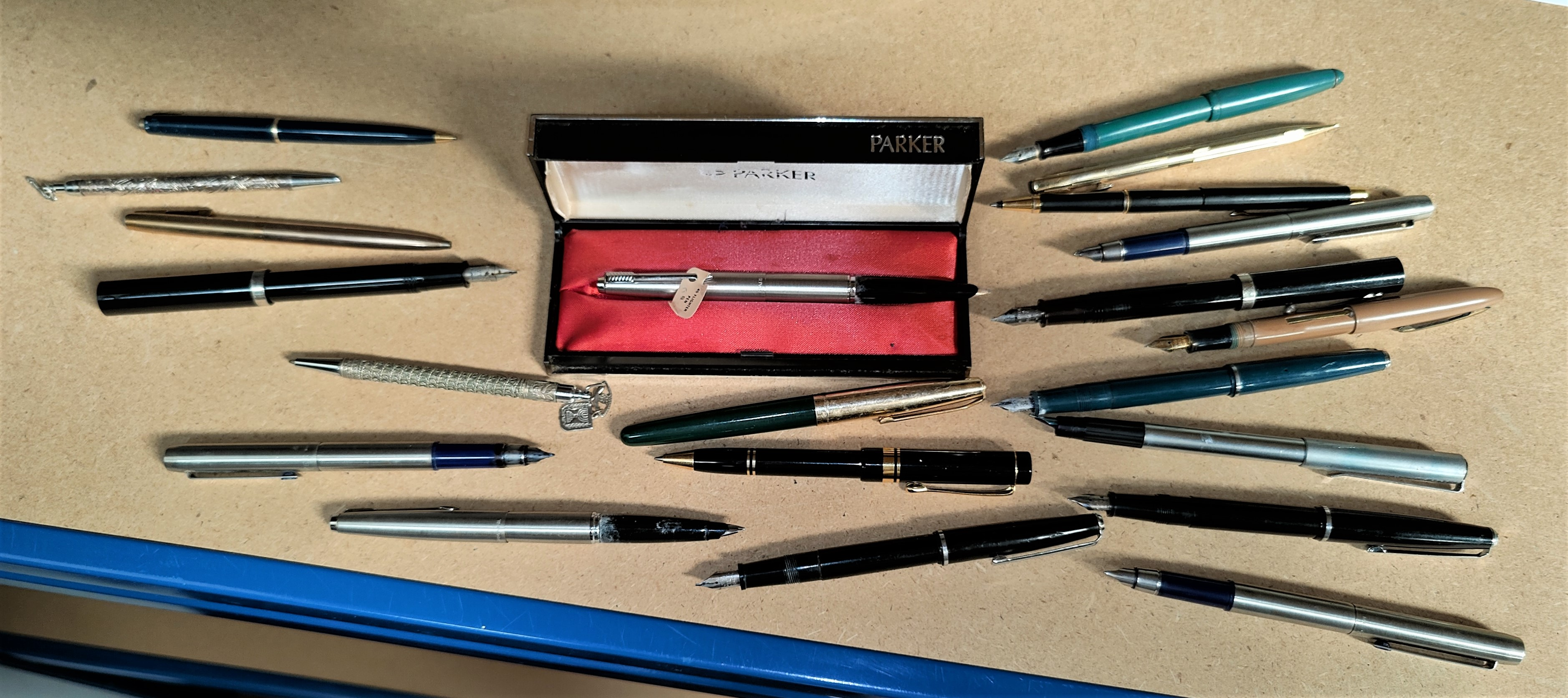 An originally boxed stainless steel Parker fountain pen & other fountain pens, ballpoints etc
