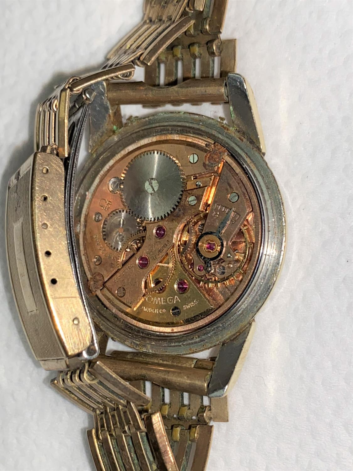 A vintage Omega Seamaster 17 jewel wristwatch with baton numerals and center seconds hand, no - Image 3 of 4
