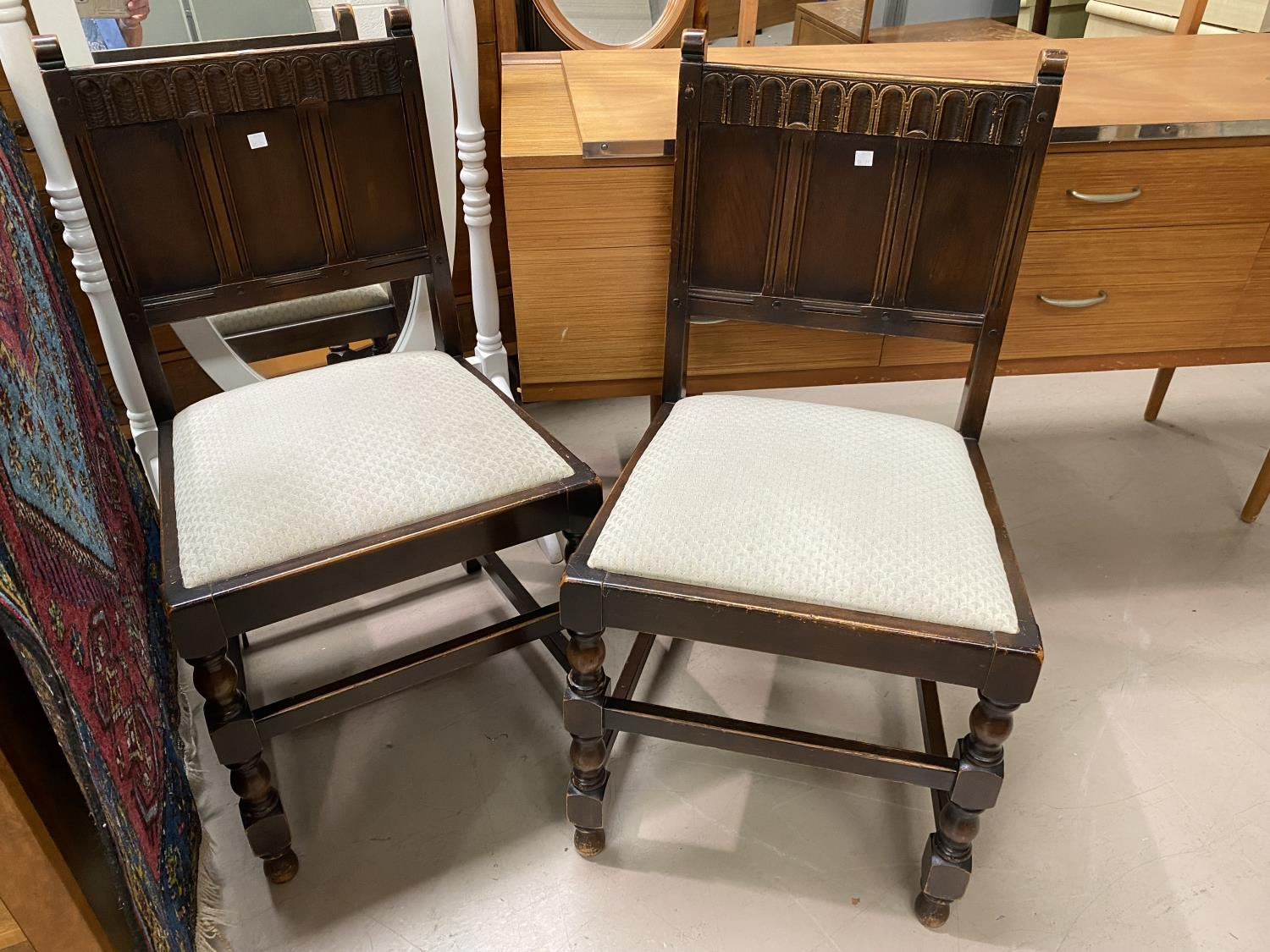 An Ercol traditional style dining suite comprising sideboard, 145 cm, 4 chairs with panelled backs - Image 3 of 3