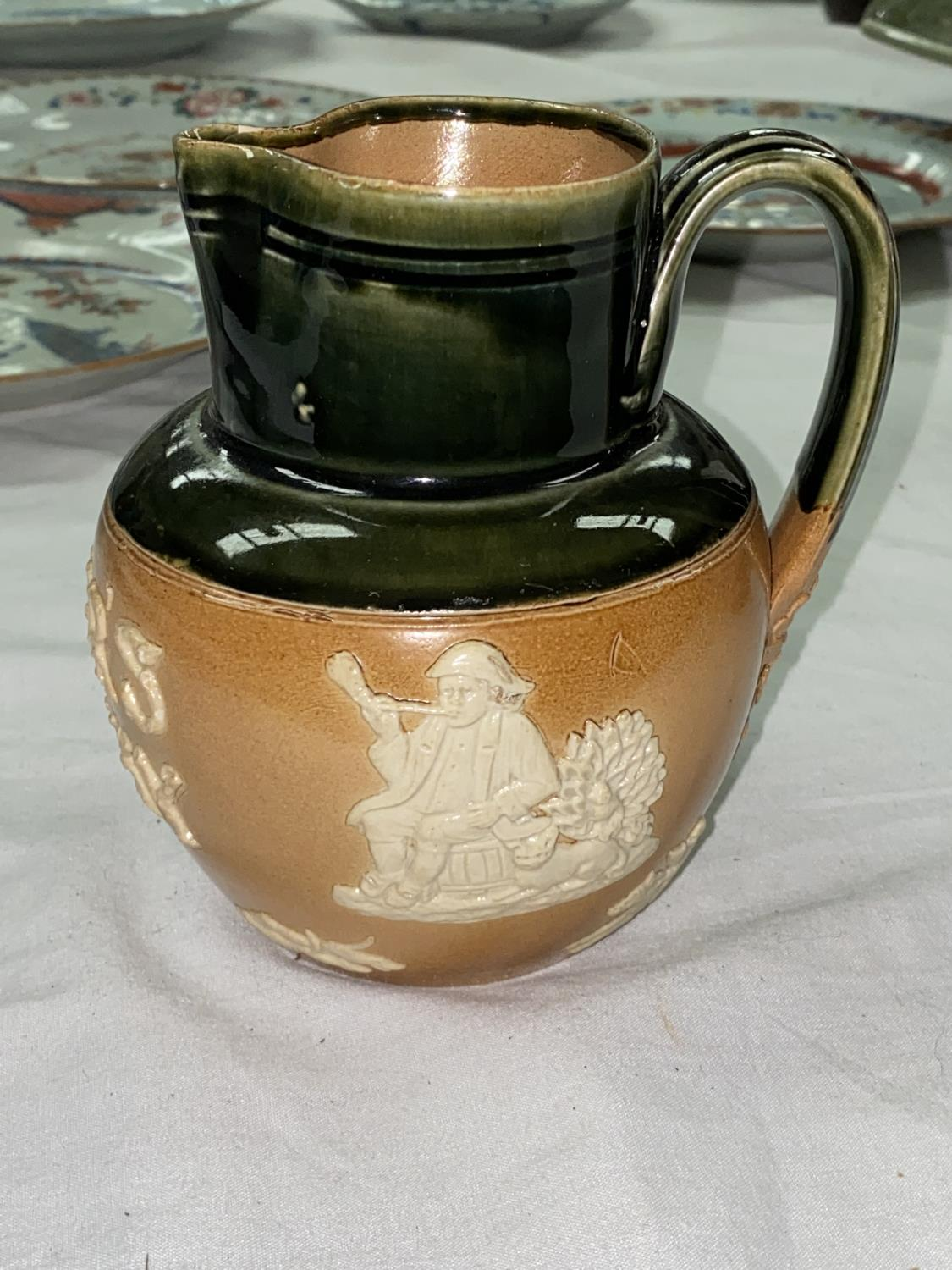 A DEWAR'S WHISKY Doulton stoneware advertising jug, 13cm (small chip to rim) - Image 2 of 5