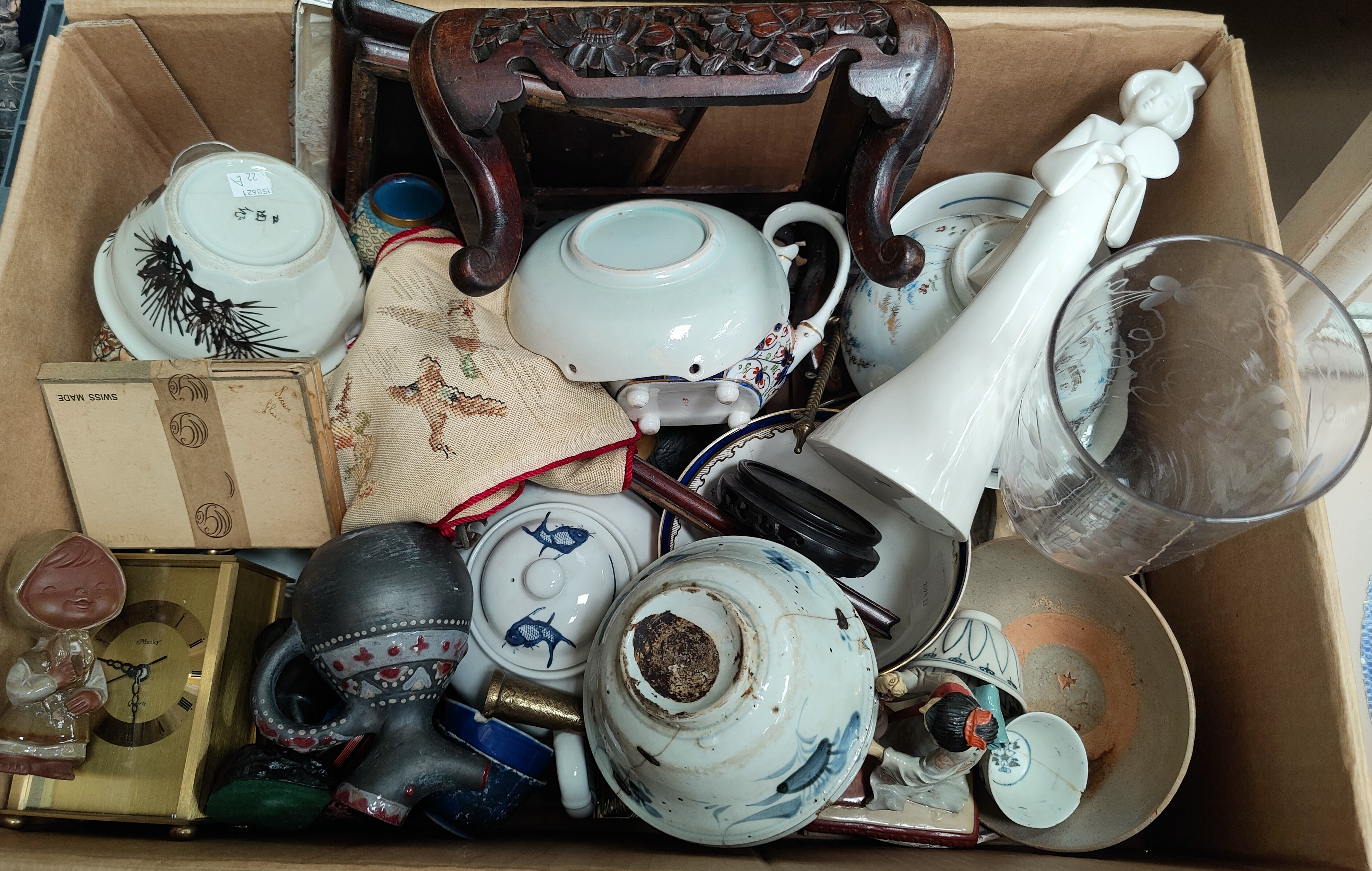 A selection of Chinese and Oriental ceramics etc
