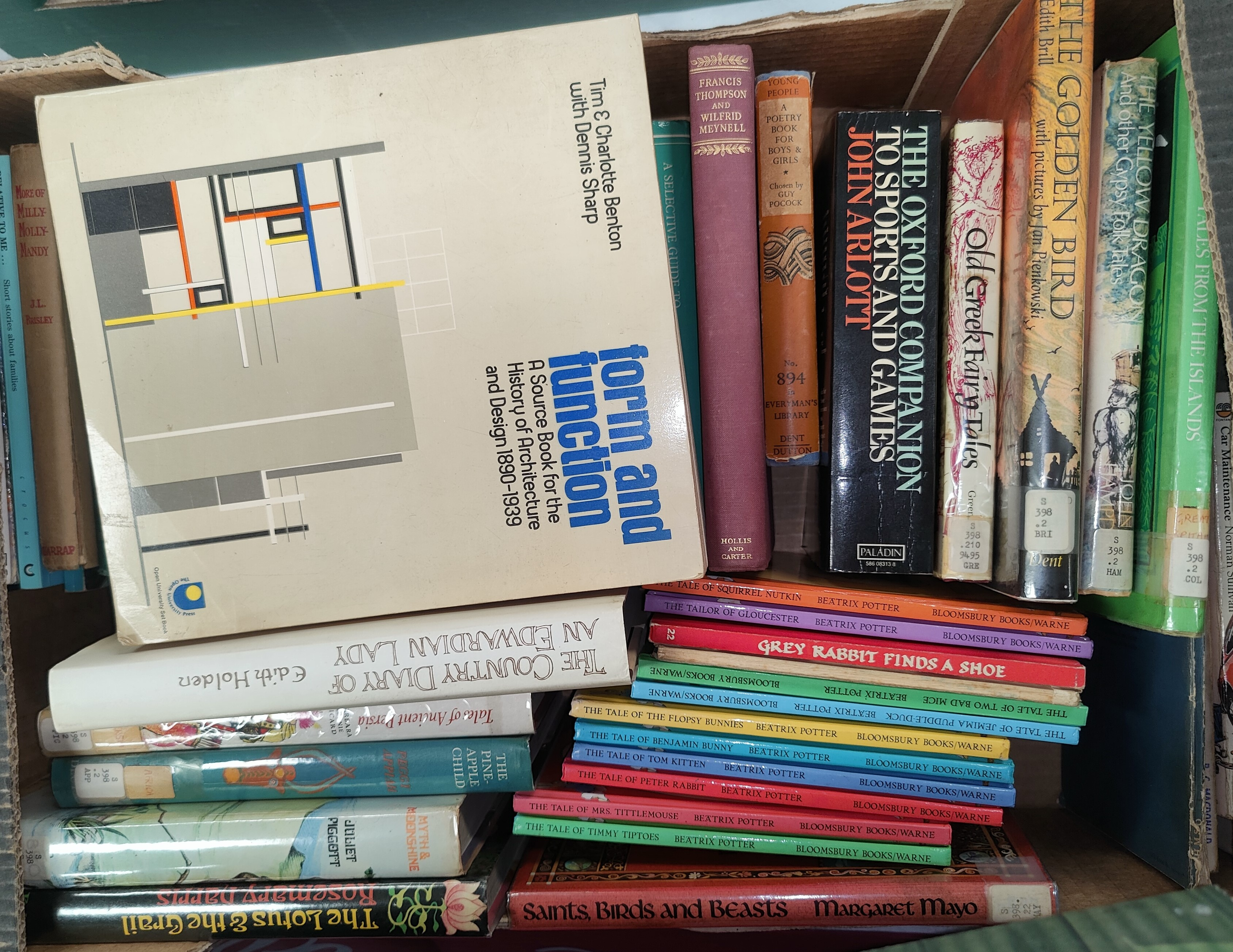 Various library sets of books - Image 2 of 2