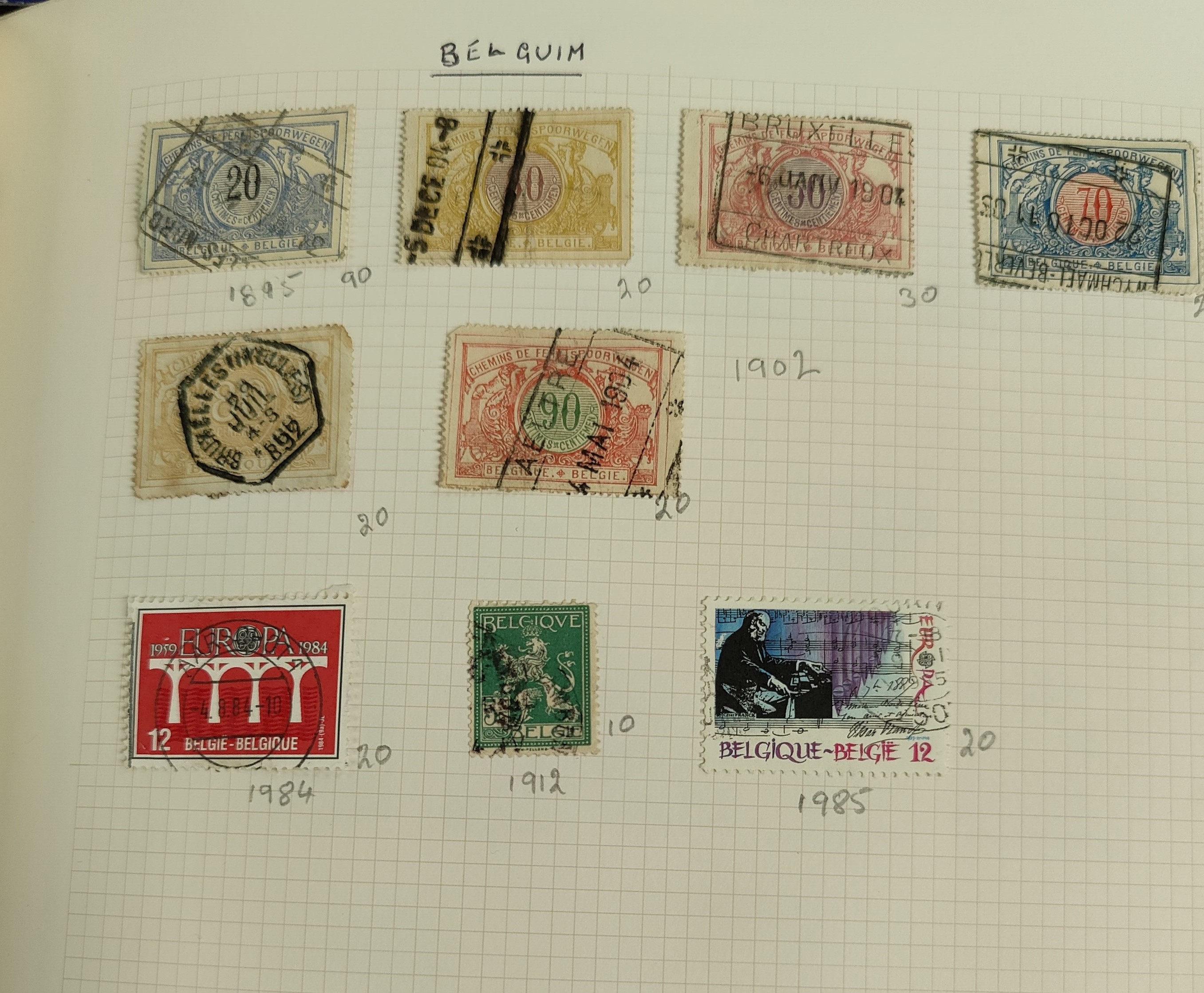A very nicely presented world collection of stamps in 4 Stanley Gibbons Devon loose-leaf albums with - Image 7 of 23