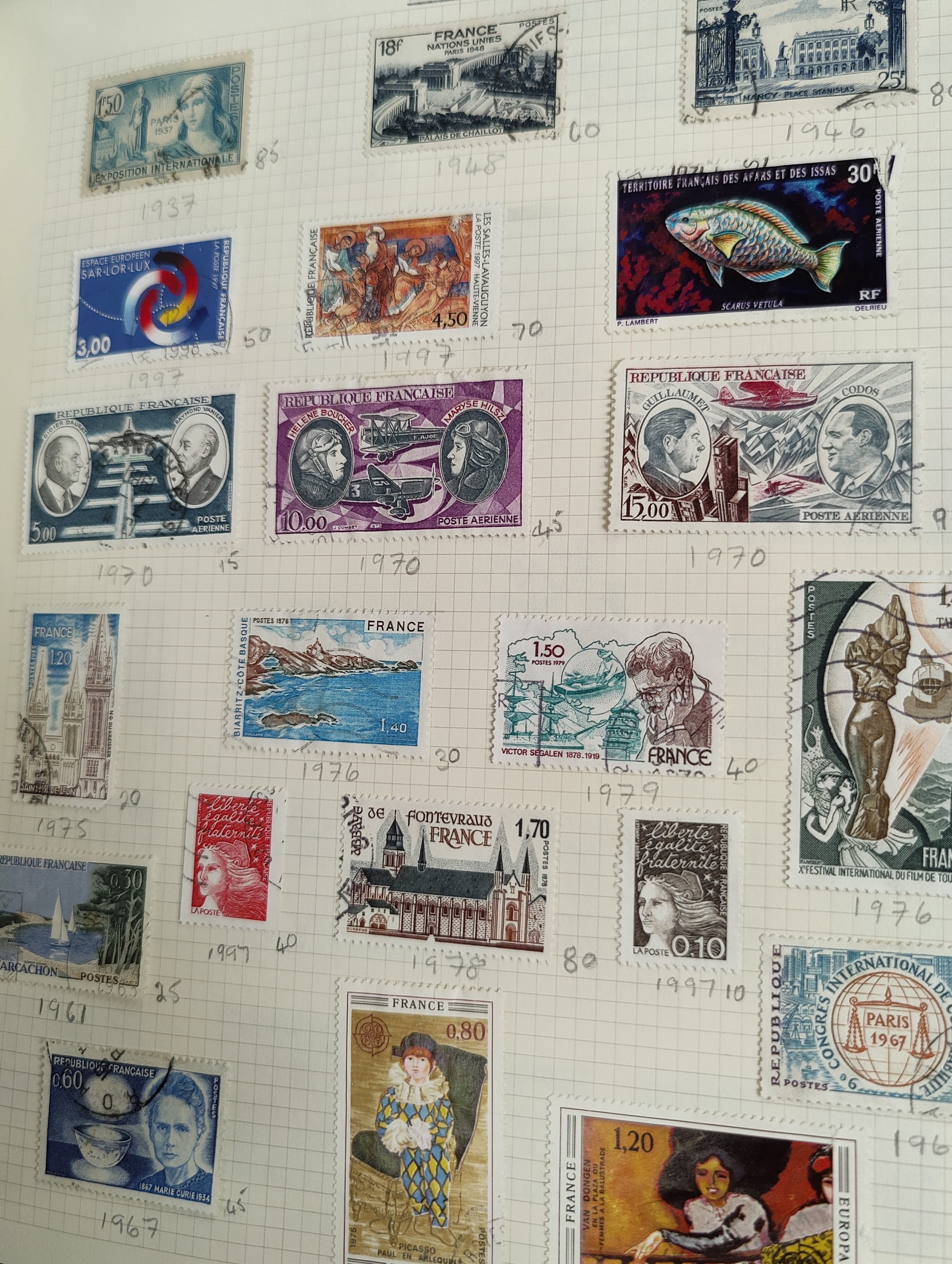 A very nicely presented world collection of stamps in 4 Stanley Gibbons Devon loose-leaf albums with - Image 14 of 23