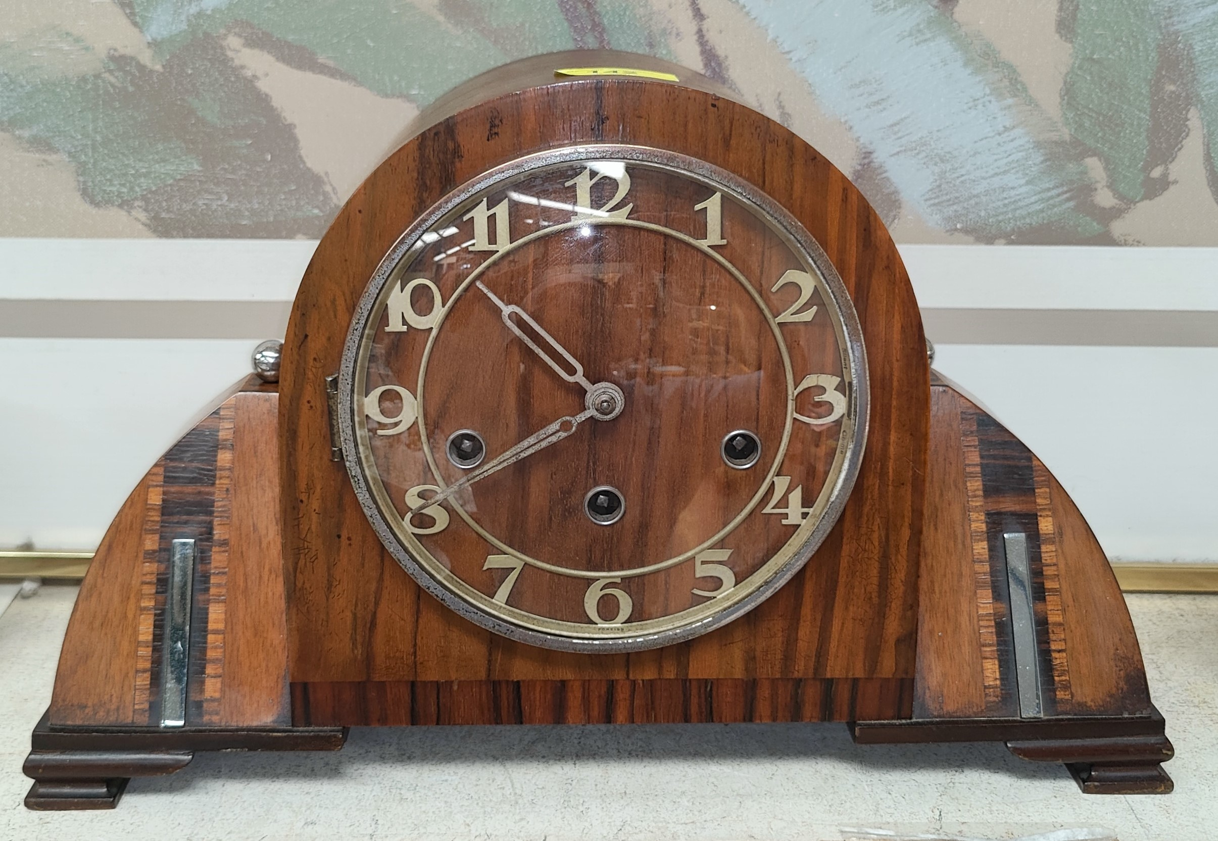 A stylish Art Deco walnut mantel clock with inlaid decoration and chrome mounts (with pendulum and - Image 2 of 2