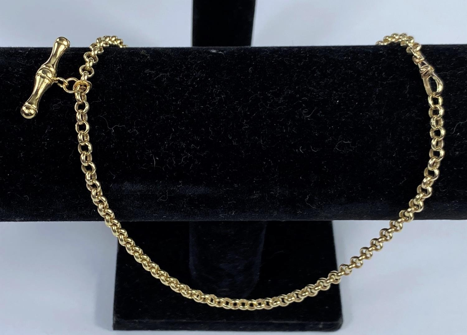 A 9 carat hallmarked gold belcher chain with clip and bar, 6.8 gm