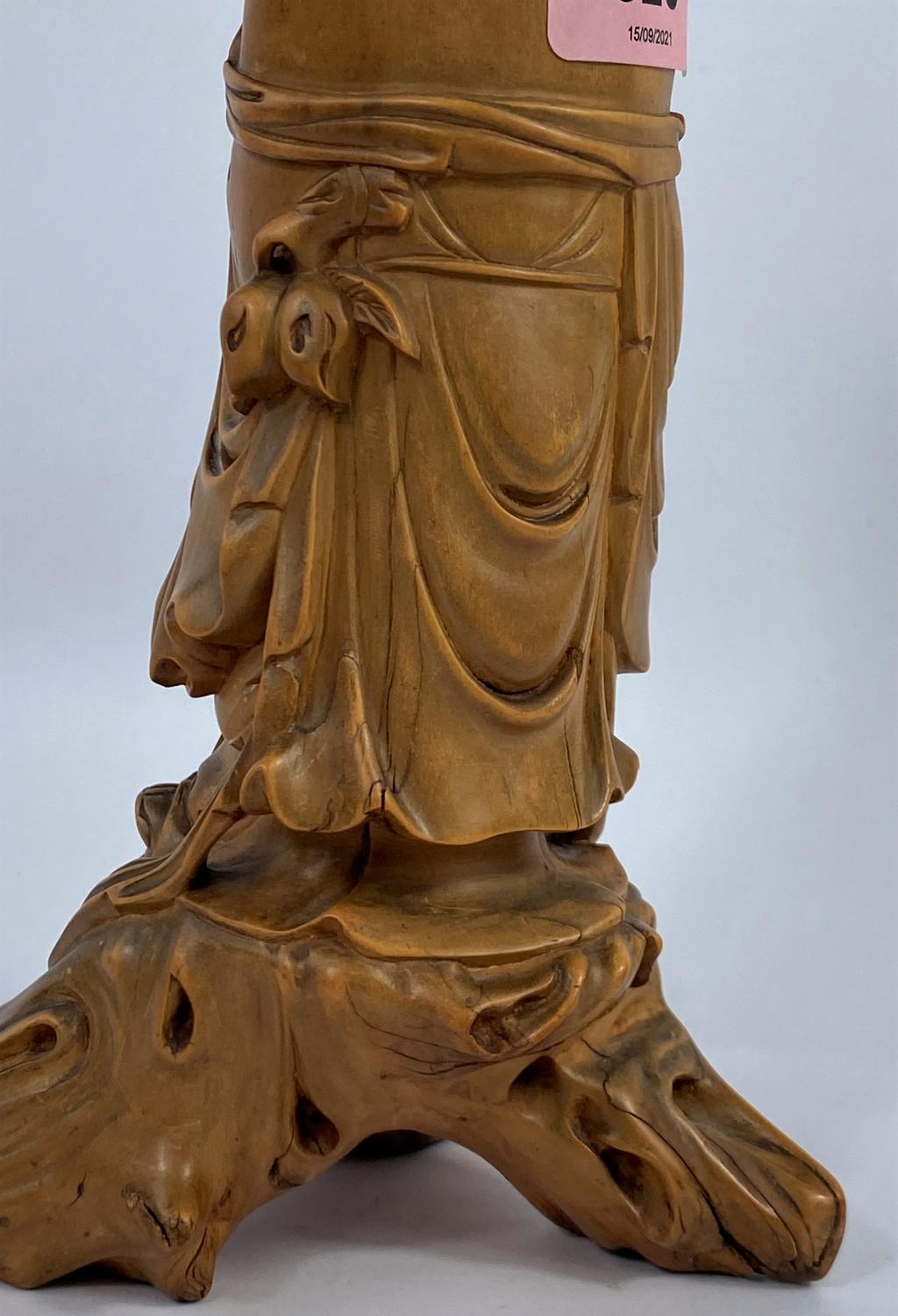 A Chinese carved wood figure of a sage, ht. 24cm - Image 4 of 4