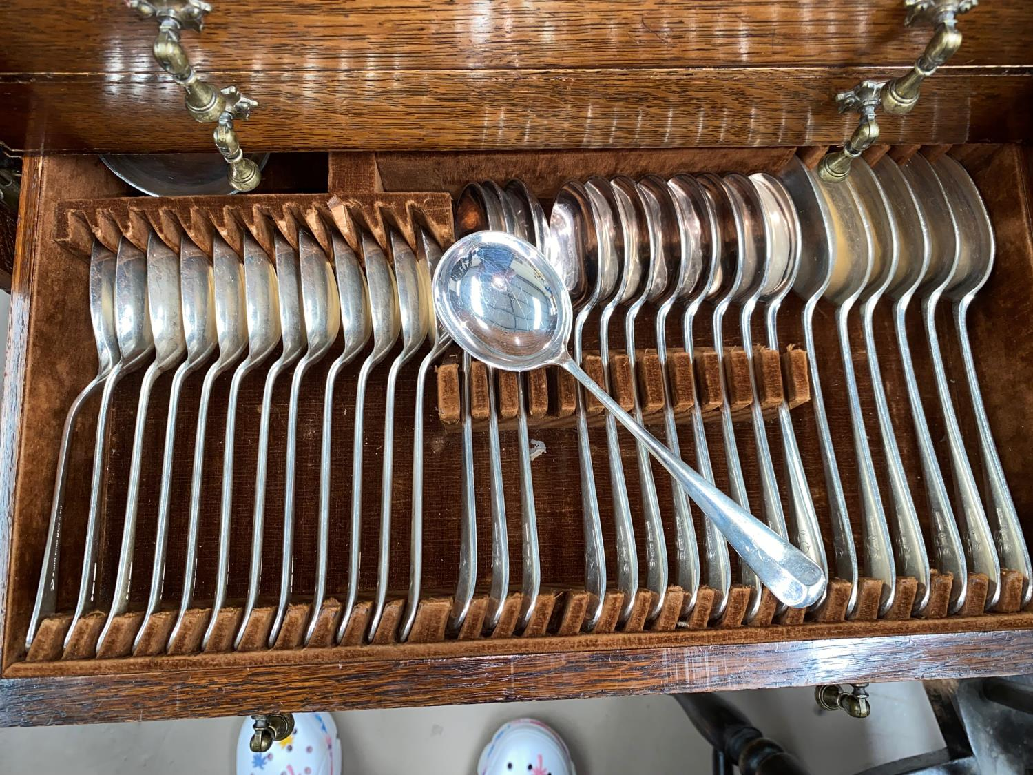A 1930's oak large canteen of cutlery, beaded edging, four levels of cutlery - Image 5 of 6