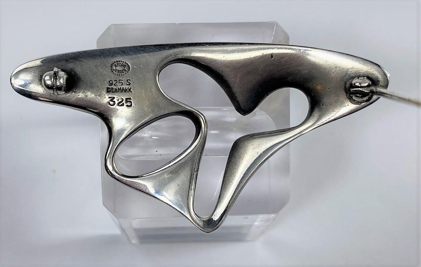 A Georg Jensen silver amoeba brooch designed by Henning Koppel, No 325, stamped marks, width 5.5 cm - Image 2 of 2
