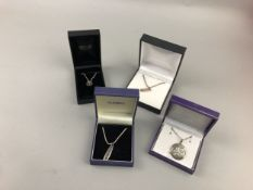 A LOT OF CONTEMPORARY SILVER JEWELLERY