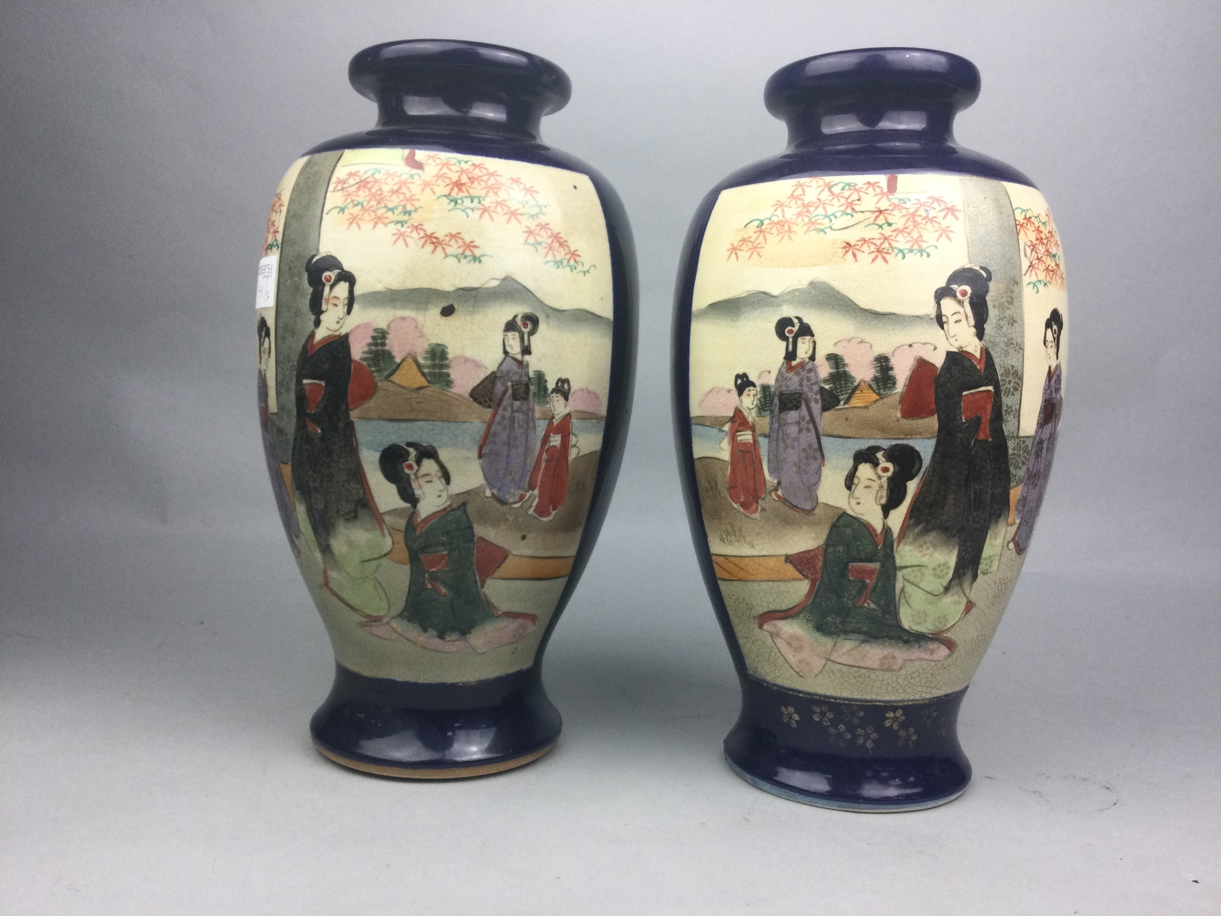 A PAIR OF JAPANESE BALUSTER VASES