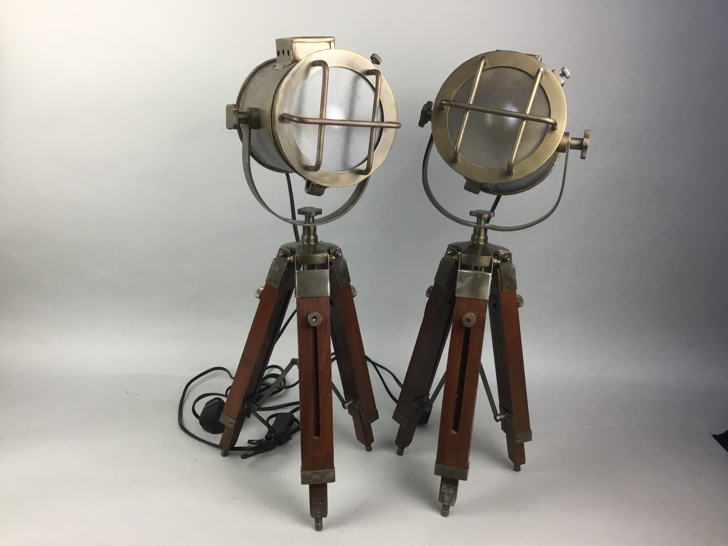 A PAIR OF BRASS MARINE TABLE LAMPS