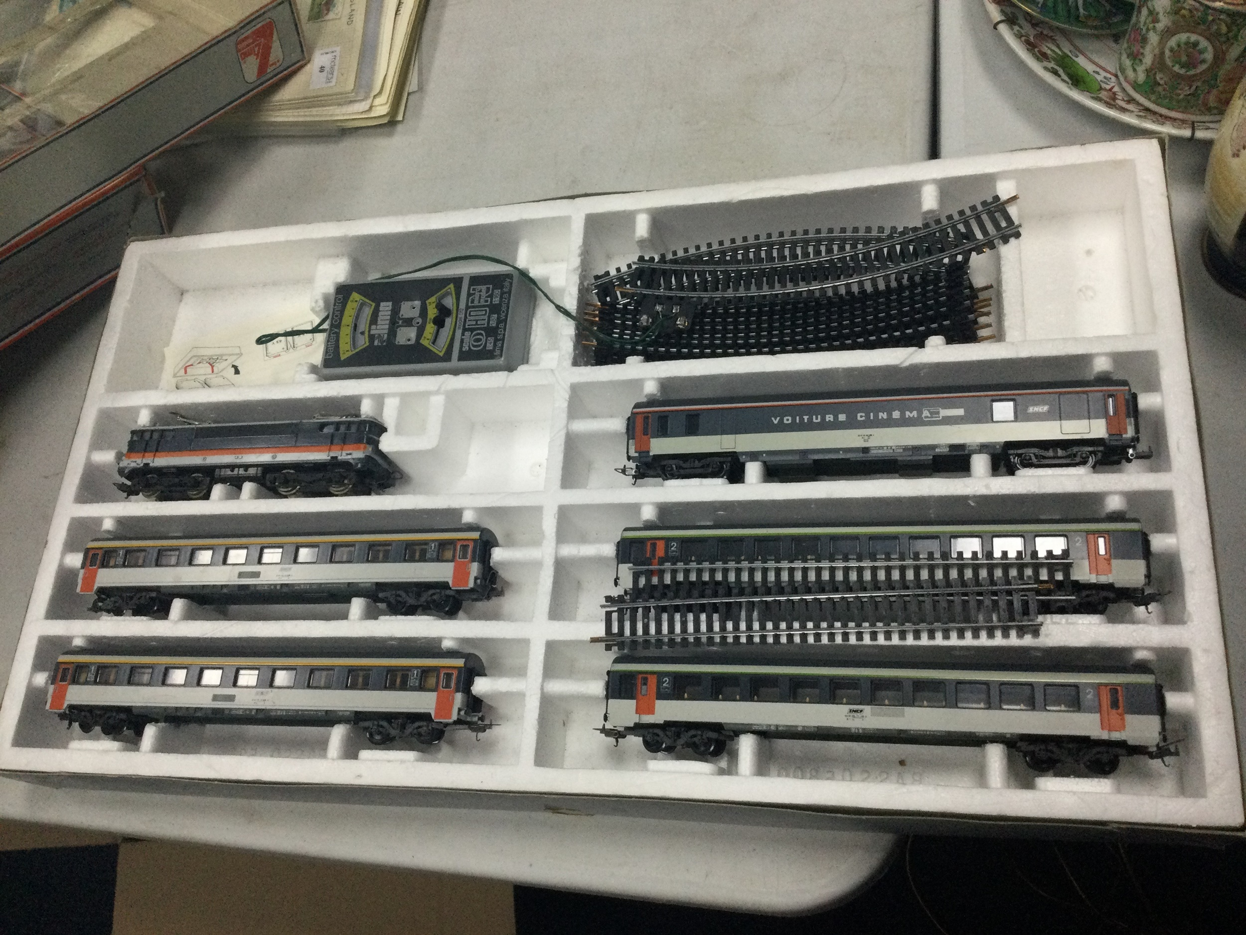 A LOT OF TWO BOXED LIMA RAILWAY SETS