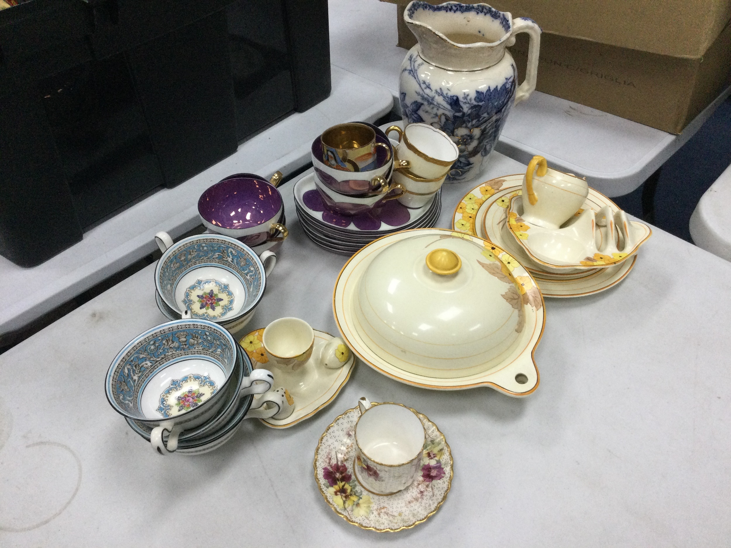 A JAPANESE PART COFFEE SERVICE AND OTHER CERAMICS - Image 2 of 2