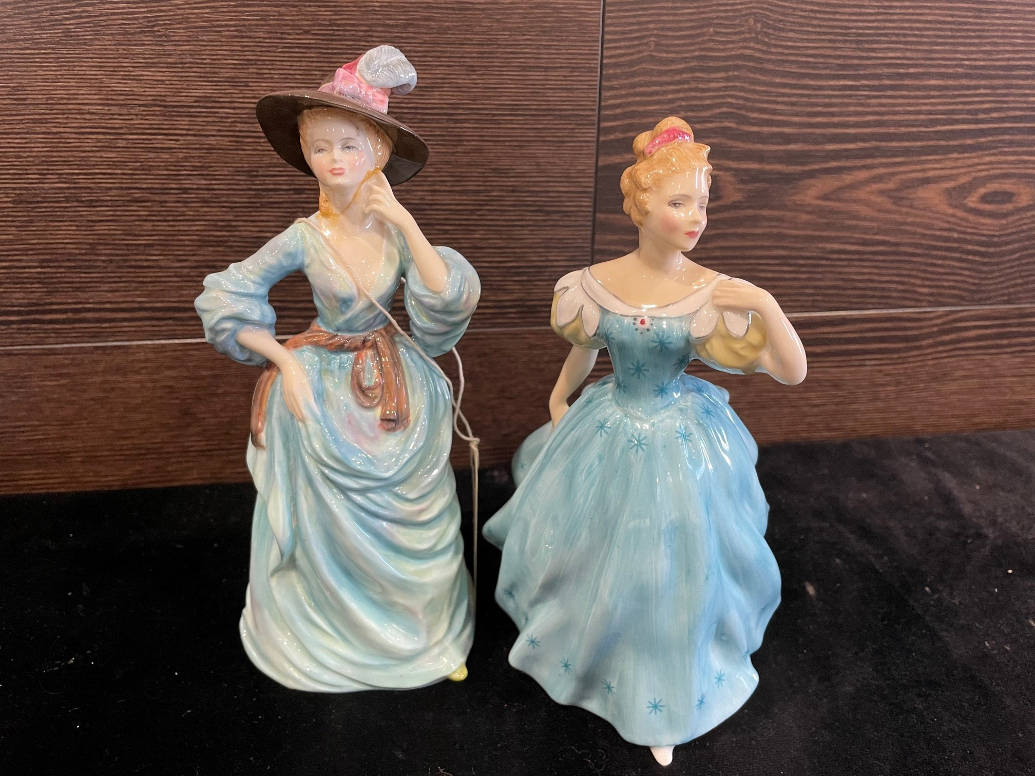 A LOT OF FIGURES INCLUDING ROYAL DOULTON AND ANOTHER - Image 2 of 2