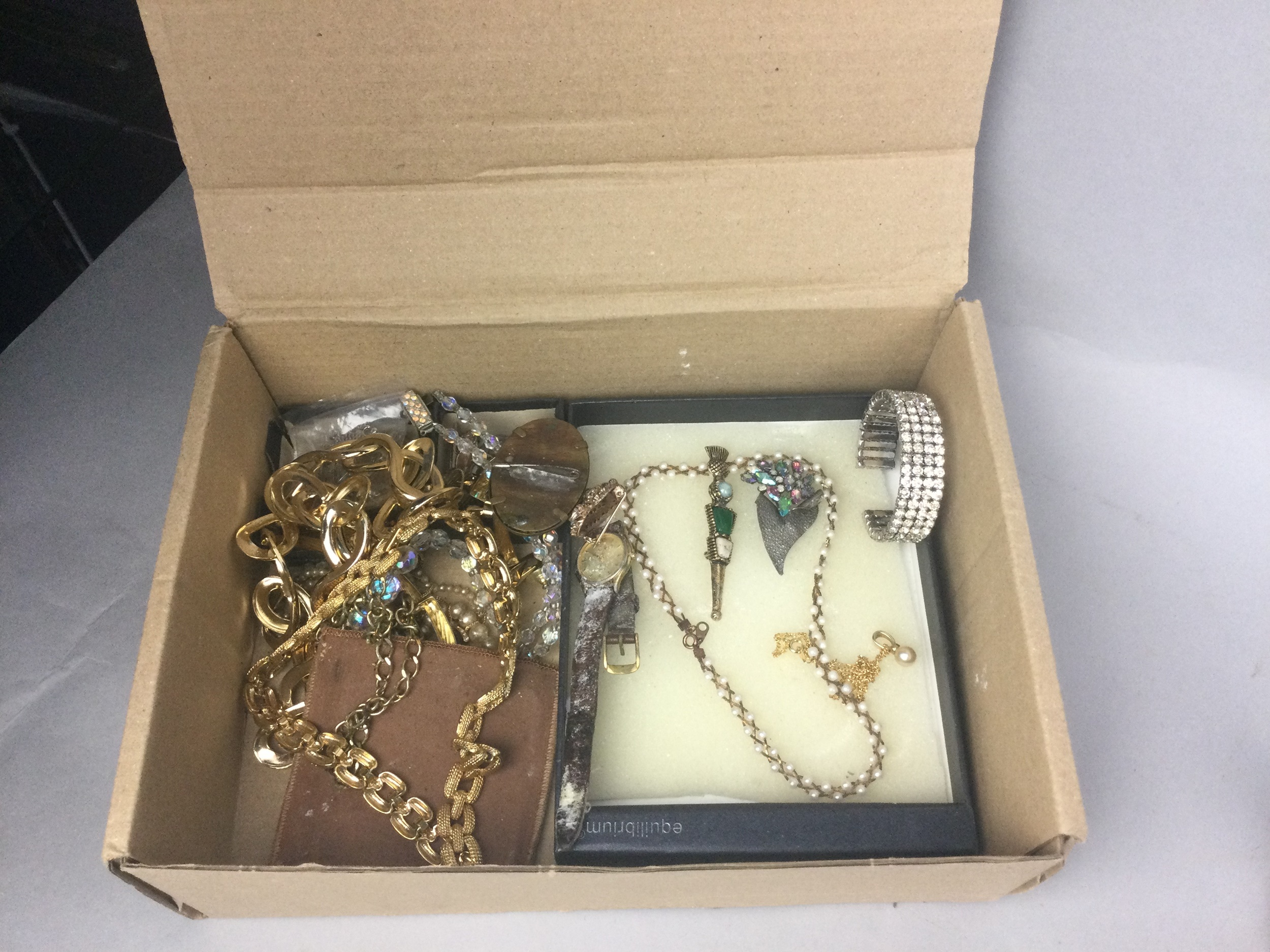 A LOT OF COSTUME JEWELLERY - Image 2 of 2