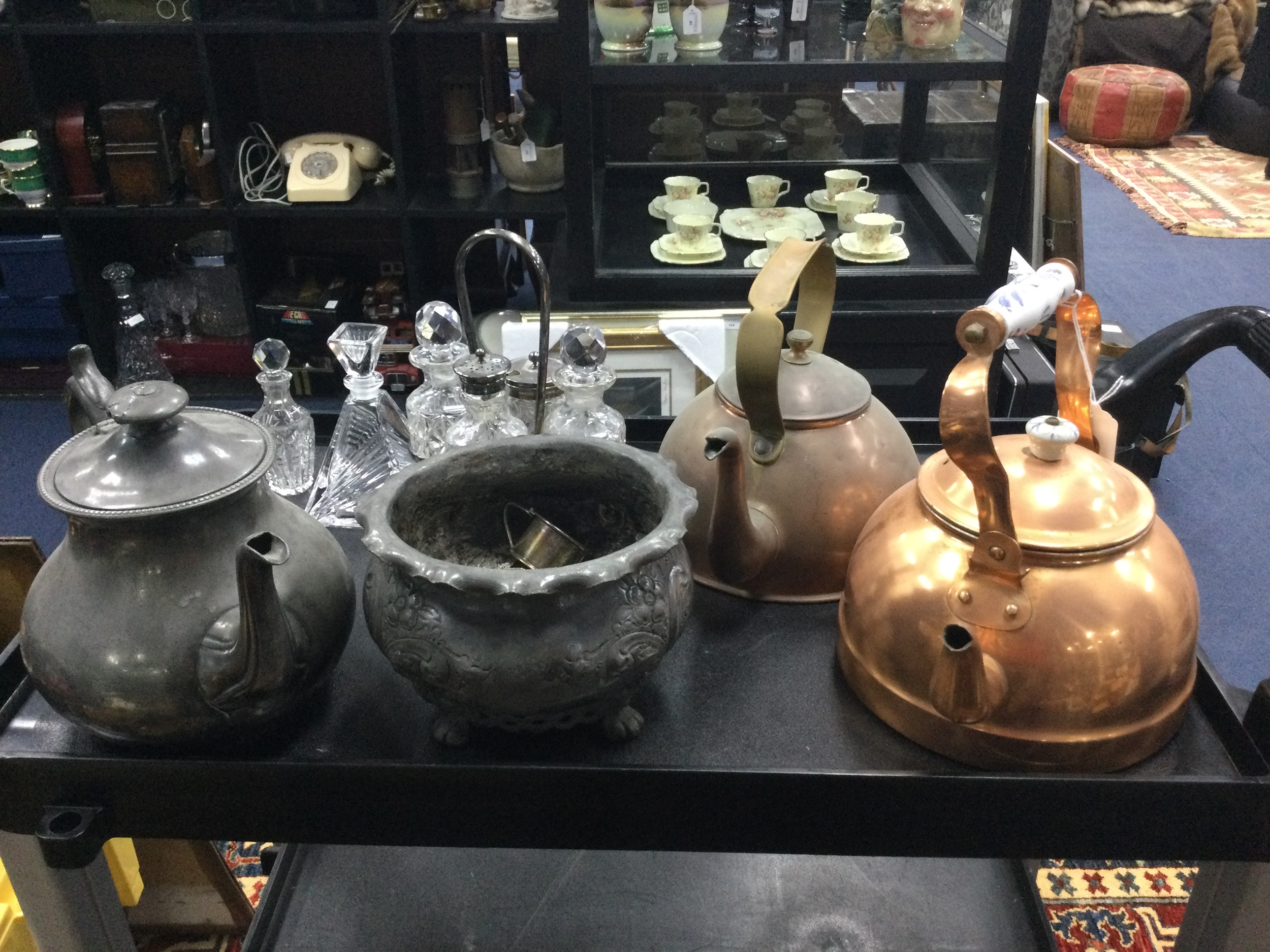 A LOT OF TWO COPPER KETTLES AND OTHER SILVER PLATE AND PEWTER ITEMS