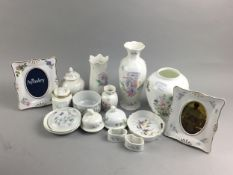 A COLLECTION OF AYNSLEY CERAMICS