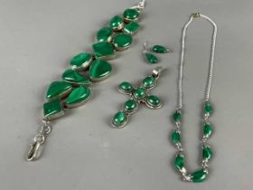 A MALACHITE AND SILVER BRACELET ALONG WITH OTHER SILVER AND MALACHITE JEWELLERY
