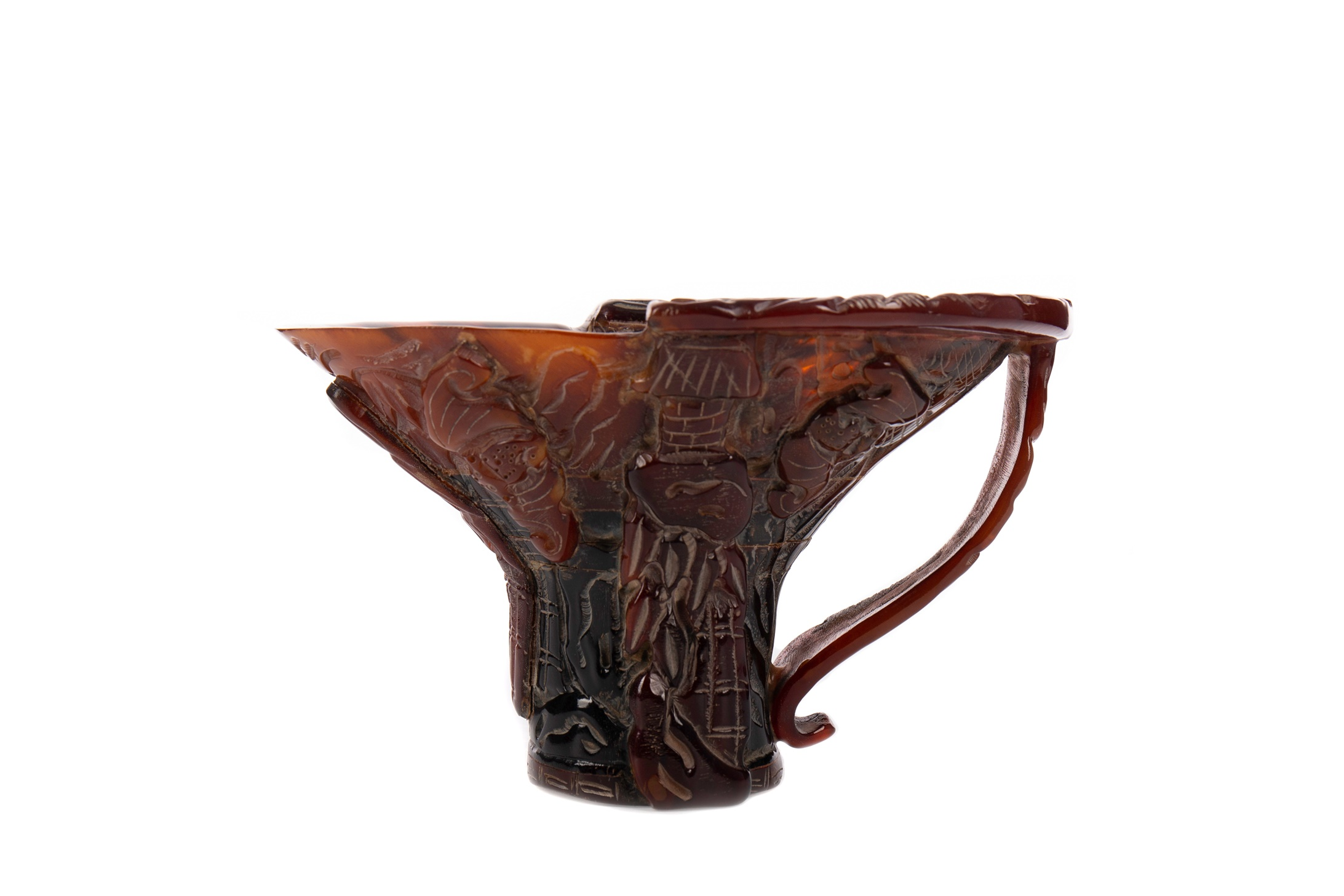 A 20TH CENTURY CHINESE HORN LIBATION CUP