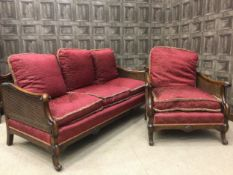 AN EARLY 20TH CENTURY MAHOGANY BERGÈRE SUITE