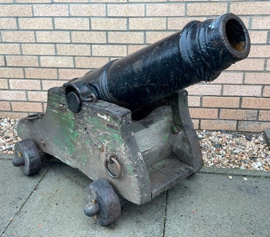 A PAIR OF 19TH CENTURY NAVAL CANNONS