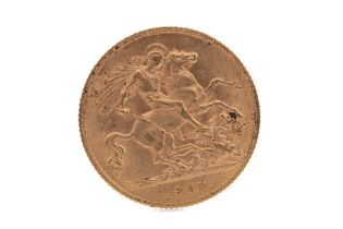 A GEORGE V GOLD HALF SOVEREIGN DATED 1913