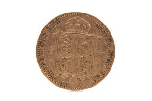 A VICTORIA GOLD HALF SOVEREIGN DATED 1892