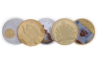 A COLLECTION OF LARGE COMMEMORATIVE COINS