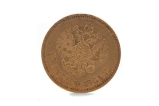 A GOLD 10 RUBLE COIN DATED 1901