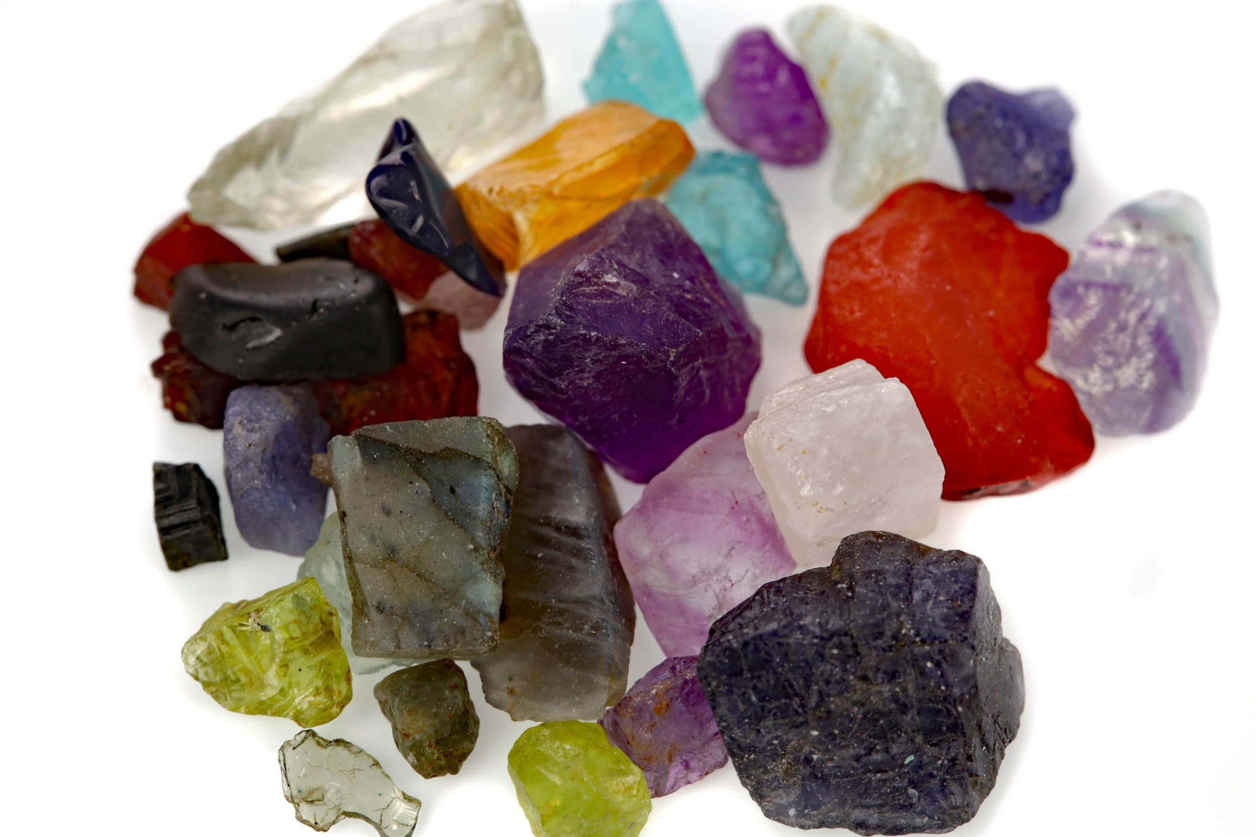 **A COLLECTION OF ROUGH UNMOUNTED GEMSTONES