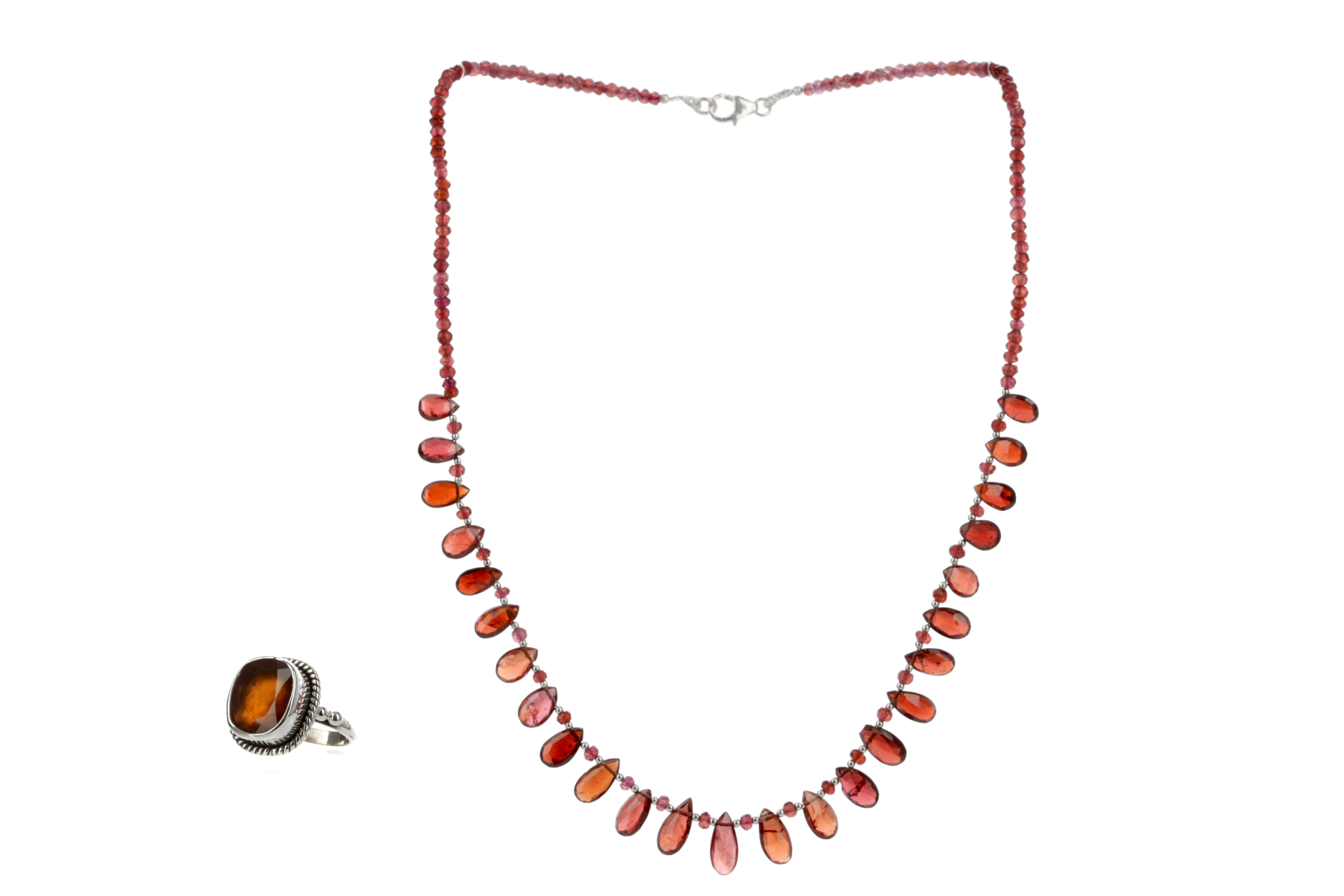 A GARNET NECKLACE AND RING